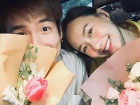 【泰国娱乐】Alek Teeradetch 与 Toey Jarinporn 庆祝相恋2周年