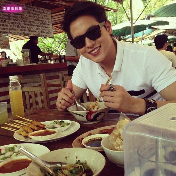 【泰娱新闻】盘点9位泰国明星喜爱吃的食物