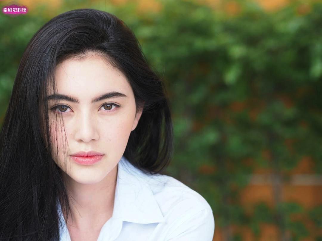 【泰娱新闻】Mai Davika表示没有期望情人节收到Ter Chantavit的礼物
