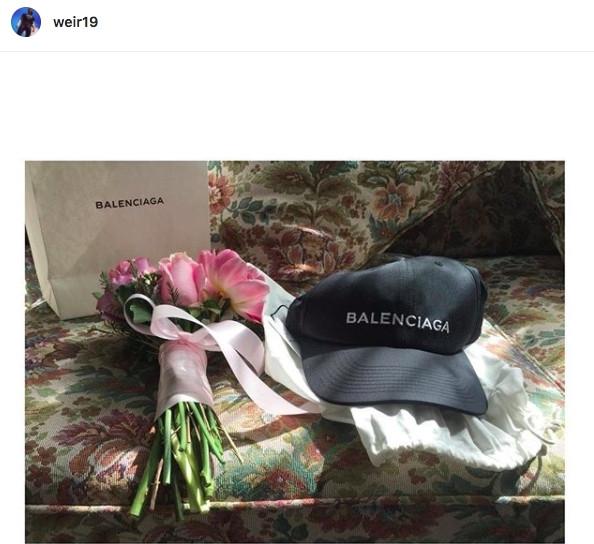 【泰娱新闻】Weir Sukollawat 展示了 Bella Ranee 送给他的情人节礼物