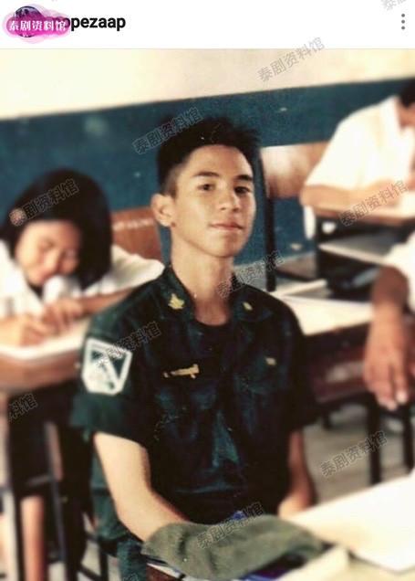 【泰娱新闻】Pope Thanawat 的旧照