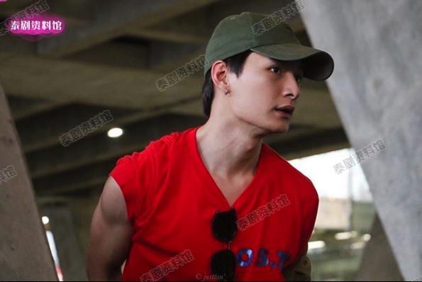 【泰娱新闻】与圈外女友分手的4位泰国男星