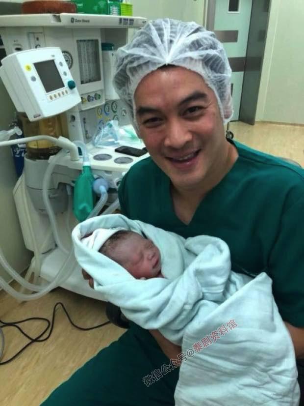 【泰娱新闻】Chakrit Yamnarm 喜得贵子,前妻 Woonsen 表示恭喜