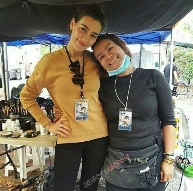 【泰国娱乐】谁能想到,Kimberley 竟然在《公主罗曼史》剧组当导演助理