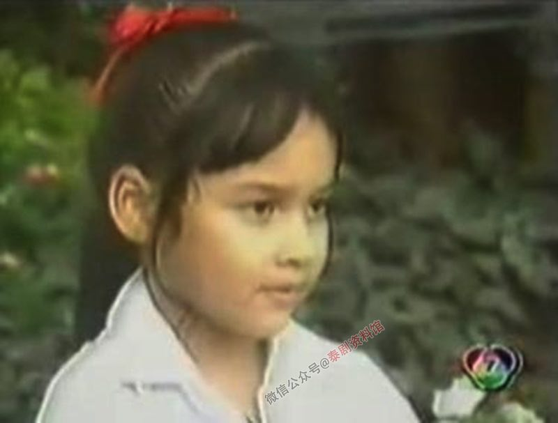【泰国娱乐】认识26年,三位童星出身的美女 Kwan,Yard,Pinky 再次同框