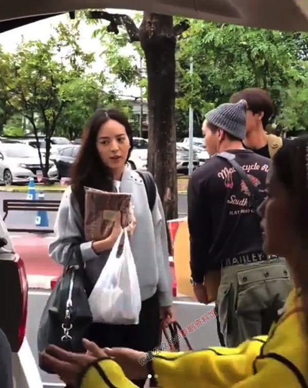 【泰国娱乐】Tono Pakin 和 Nychaa Nuttanicha 为老挝受水灾民众募捐
