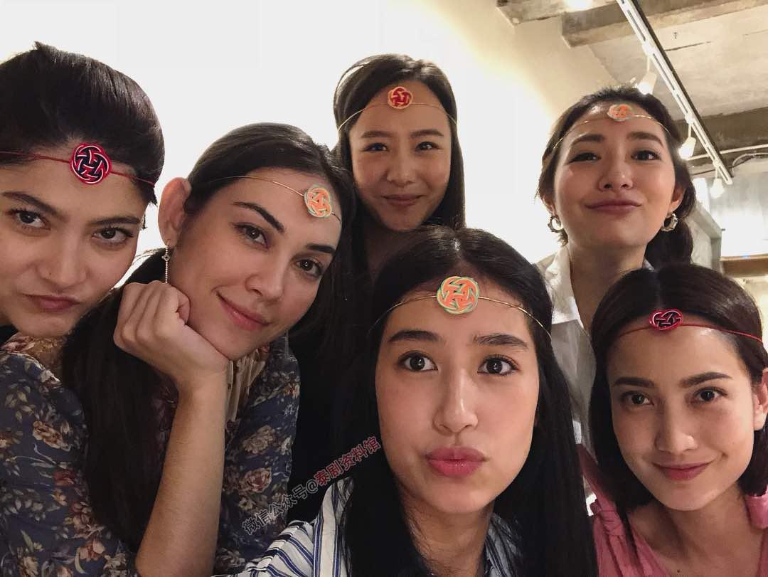 【泰国娱乐】Furby 闺蜜团携伴聚会,Mew Nittha 带 Hiso Cent 参加