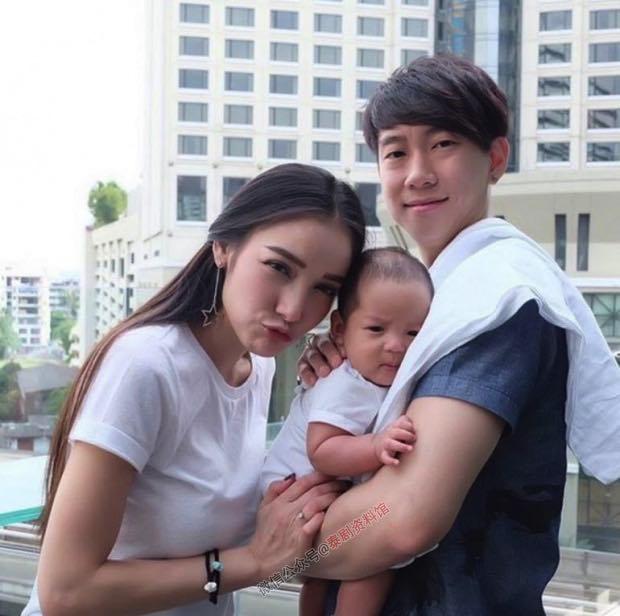【泰国娱乐】Pat Napapa 丈夫临时释放,一家人团聚