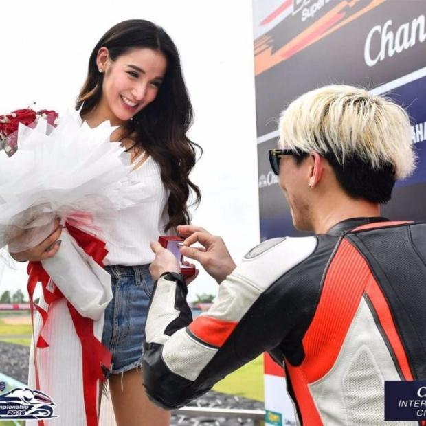 【泰国娱乐】Pat Napapa 宣布与丈夫 Benz Racing 之间关系结束