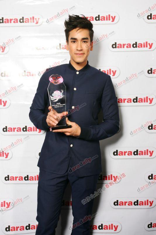 【泰国娱乐】回顾 Daradaily Awards 历届年度最佳男女主角