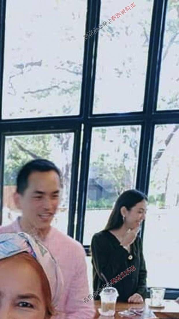 【泰国娱乐】Matt Peranee 在新的一年首度公布自己与宋干的合影