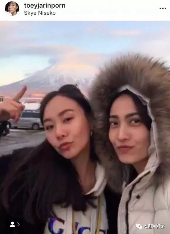 【泰国娱乐】Taew Nattapohn 与 Toey Jarinporn 好姐妹同游日本
