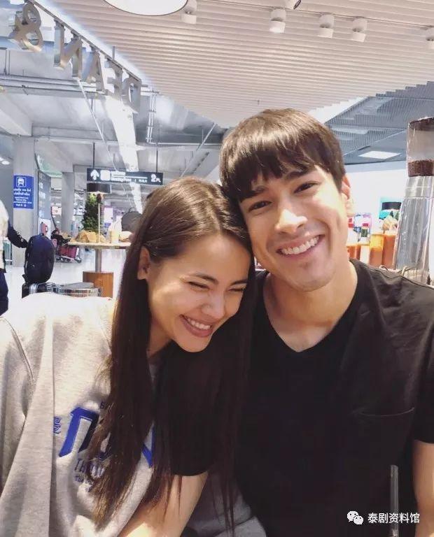 【泰国娱乐】粉丝在大城府偶遇 Nadech 和 Yaya Urassaya