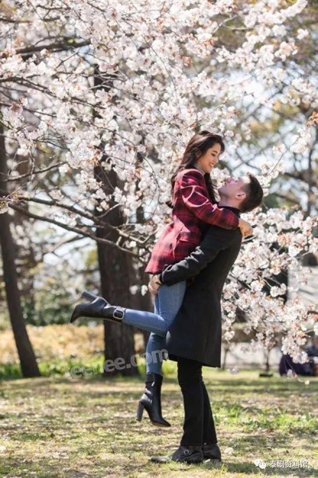 【泰国娱乐】Poo Praiya 在日本接受了外国男友的求婚