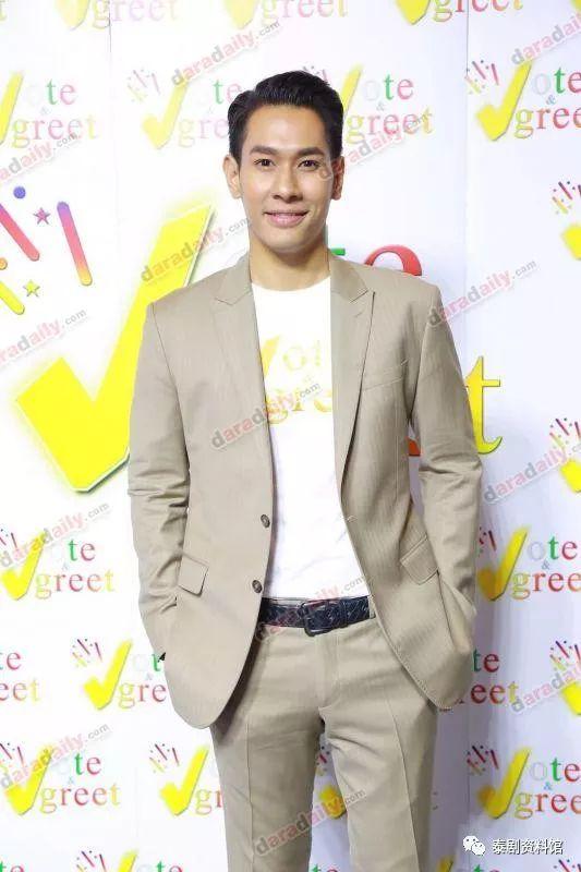【泰国娱乐】Om Akapan 谈论与7台的合约,以及与 Kwan Usamanee 的关系