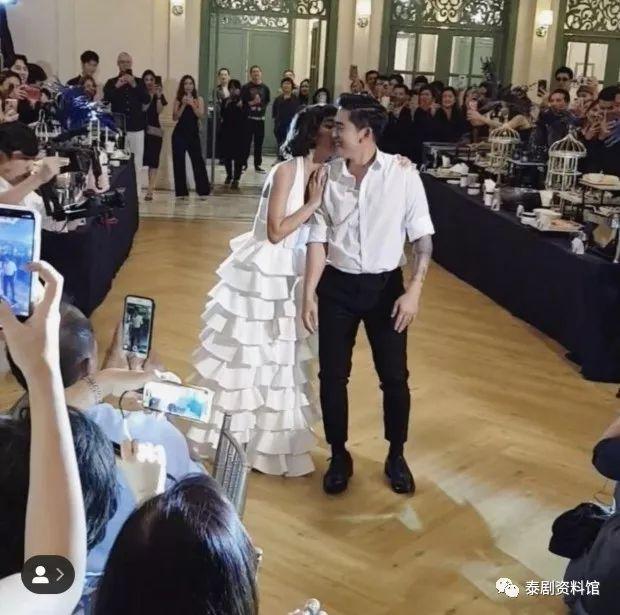 【泰国娱乐】Saiparn Apinya 与 Wut Nantawut 已举行婚礼